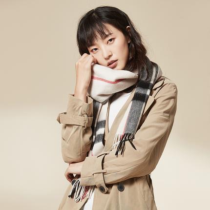 经典100%羊绒格纹围巾:百分百山羊绒,Chloe制造商
