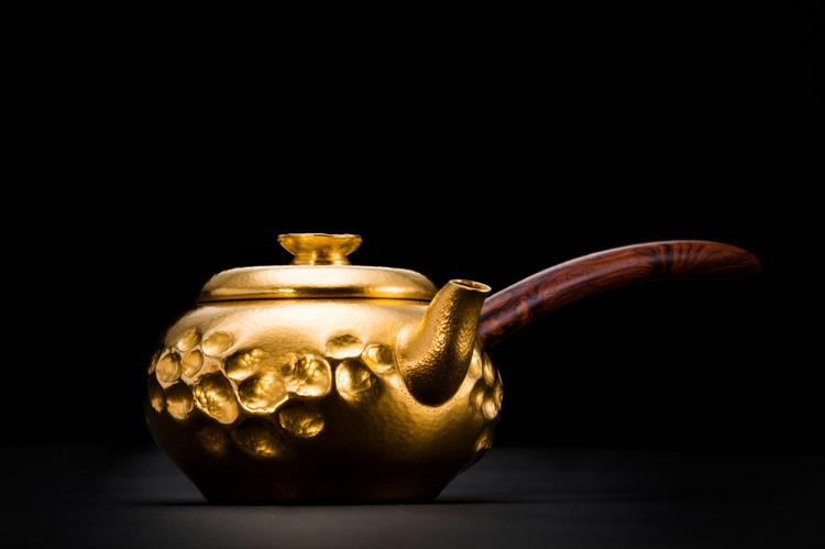 追求极致工艺,陈念舟设计金银茶具连使